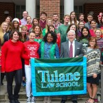 The Class of 2016 spreads holiday cheer and launches its campaign to raise a record-setting graduation gift to fund scholarships for future students.